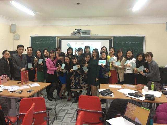 越南老师体验智慧教育.jpg